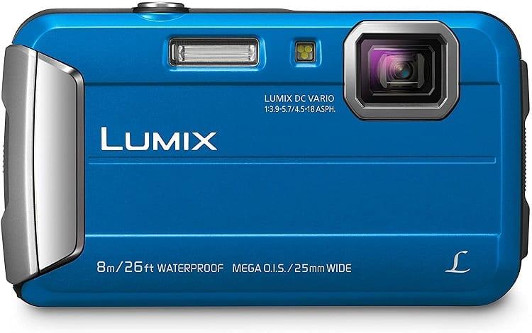 מצלמה חסינה למים Lumix DMC-FT30 של חברת Panasonic