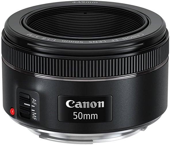עדשות למצלמה של חברת Canon דגם EF 50mm