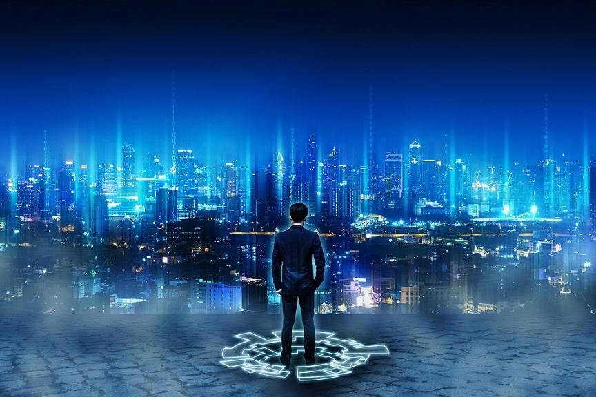 גבר עומד מול אילוסטרציה ממוחשבת של העתיד