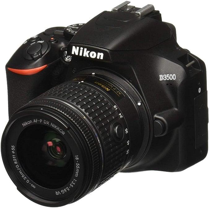 מצלמה לטיולים Nikon D3500