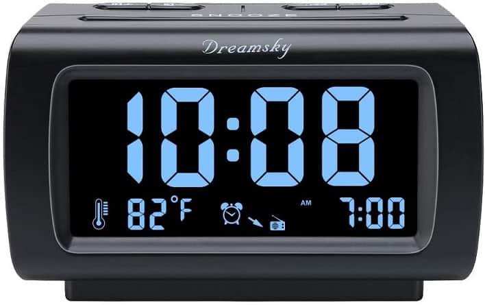 שעון דיגיטלי של חברת DreamSky