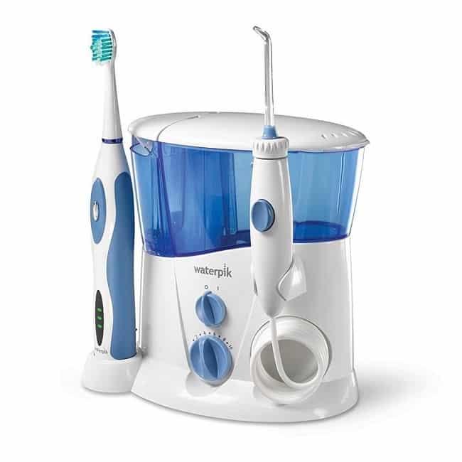 ערכה עם מברשת שיניים חשמלית וסילון לניקוי פה של Waterpik