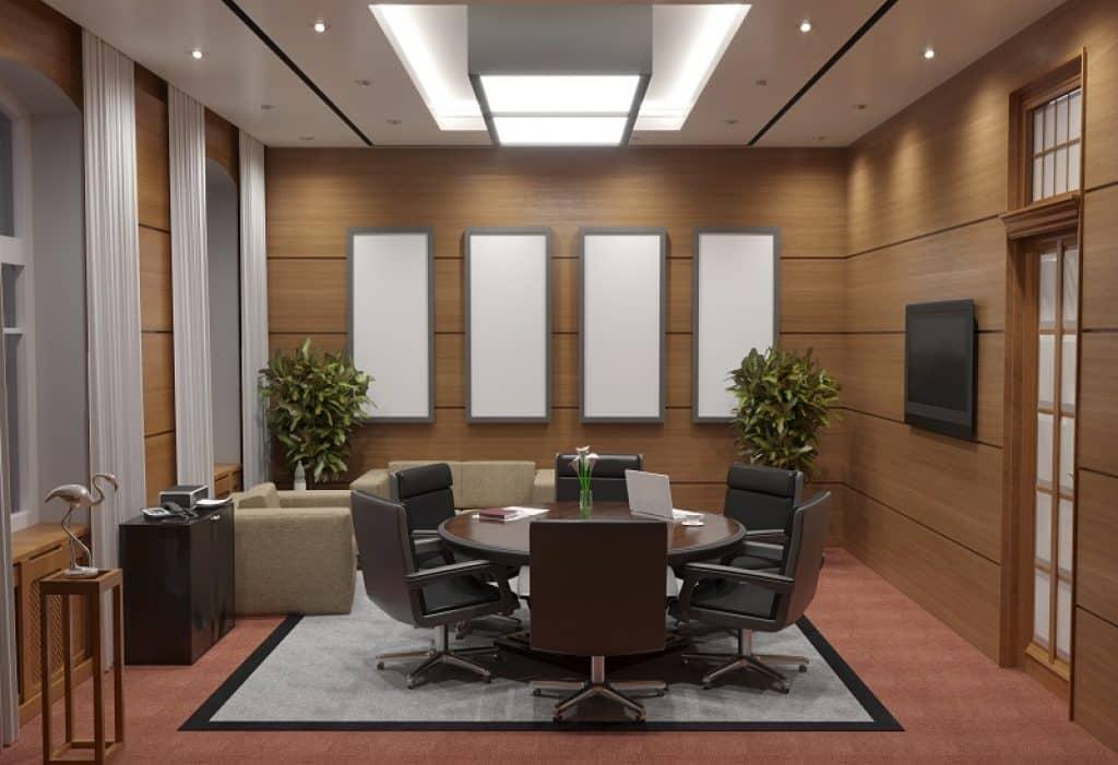 חדר פגישות גדול ומרווח במשרד יוקרתי