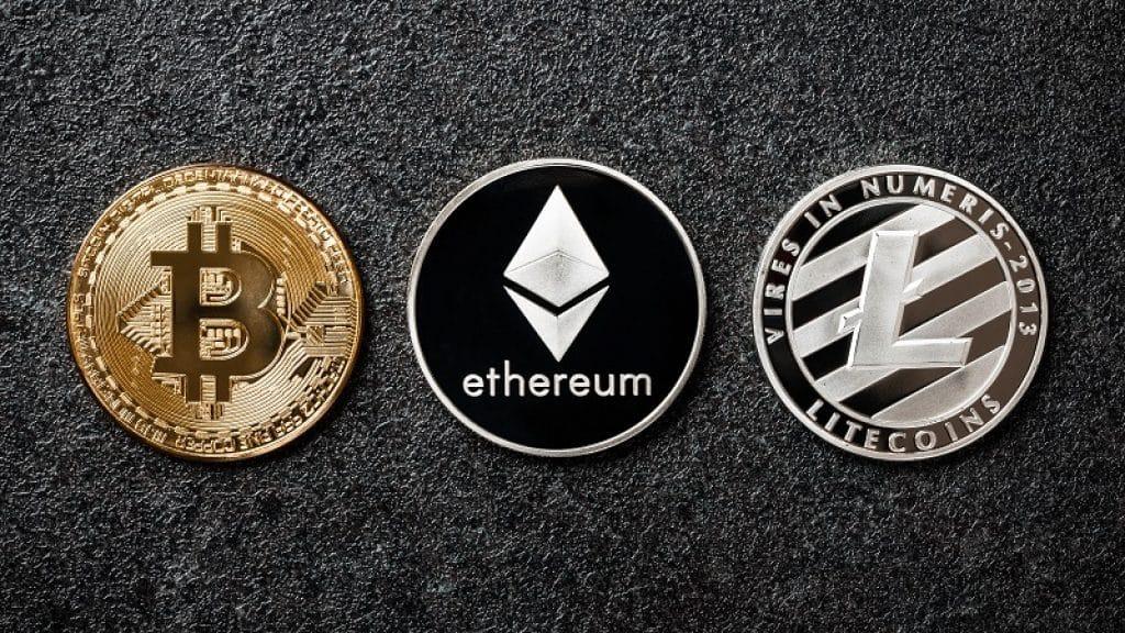 מטבעות קריפטוגרפיים נחשבים כנכסים דיגיטליים שאפשר להשקיע בהם מהבית